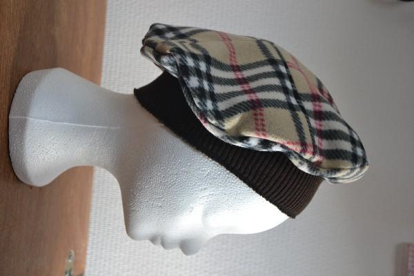 Chapeaux, bonnets et autres accessoires.